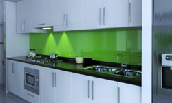 Rückwand küche glas  Küchenrückwand aus Glas in beige hell - ein wunderschöner Kontrast
