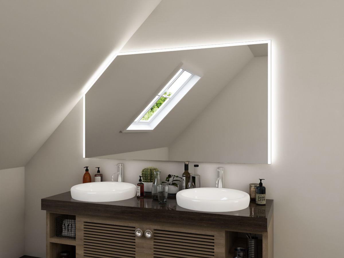LED Badspiegel mit Dachschräge - Nilas