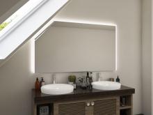 Beleuchteter Spiegel mit Dachschräge Nilas